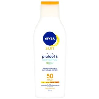 Nivea Sun Protect & Sensitive mléko na opalování SPF 50 (Sun Lotion with Aloe Vera) 200 ml